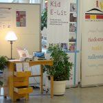 Kid e-lit -näyttely kirjastossa.