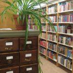 Kirjastosali.