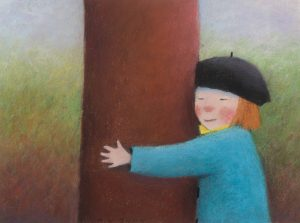 Kortti: Kristiina Louhi, Tyttö ja naakkapuu. Tyttö halaa puuta.