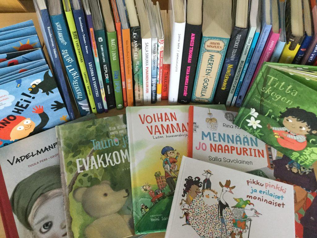 Valikoima vuoden 2017 lasten- ja nuortenkirjoista.