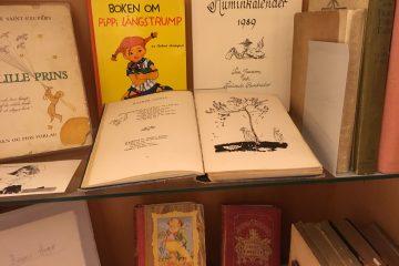 Tove Jansson -kokoelman teoksia.