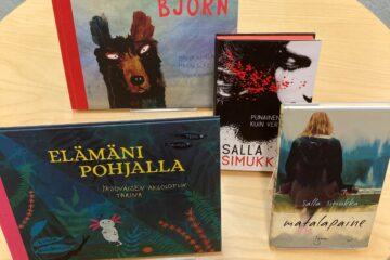 Linda Bondestamin ja Salla Simukan kirjoja.