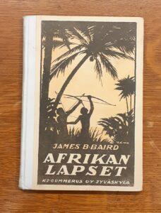 Afrikan lapset -kirjan kansi.